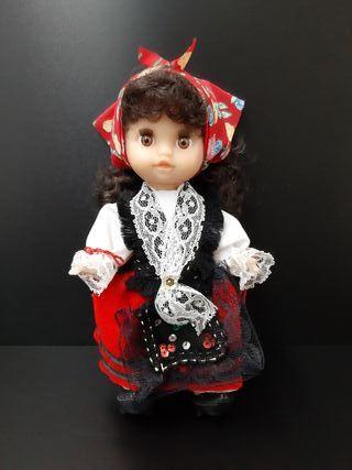 Preciosa muñeca.