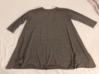 Camiseta larga gris algodón, talla M