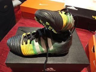botas fútbol con tacos Adidas