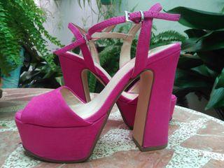 Zapato tacón rosa fucsia