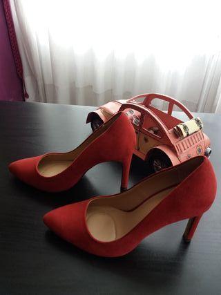 Zapatos salón rojos Stradivarius 37