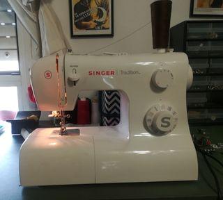 Máquina coser Singer tradition