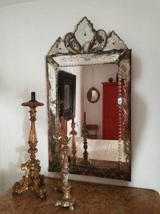 Espejo veneciano antiguo.