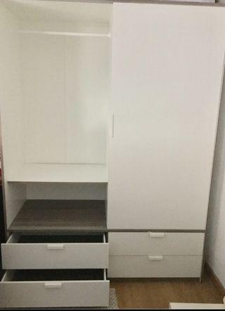 Mueble Ikea TRYSIL 2 puertas correderas