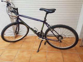 1 bicicleta mountain bike