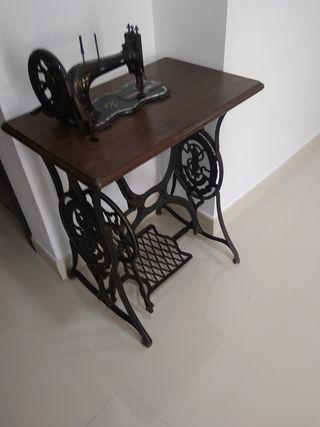 maquina de coser singer antigua