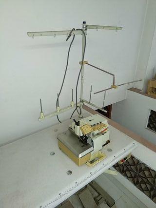 Máquina de coser (SIRUBA)