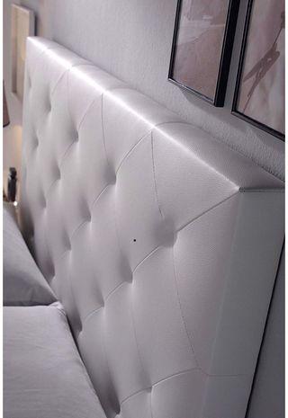 Cabecero blanco en capitone 160x115x080
