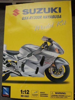 Model kit Moto Suzuki