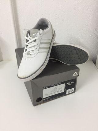 Zapato de golf