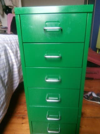 drawers shelf