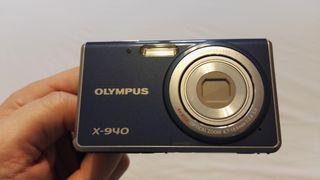 Cámara Olympus X-940, 14 megapixel. Con funda y SD