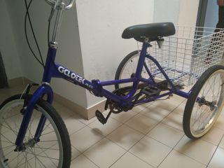 Bicicleta de tres ruedas.