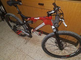 bicicleta doble suspension de aluminio. Rueda 26