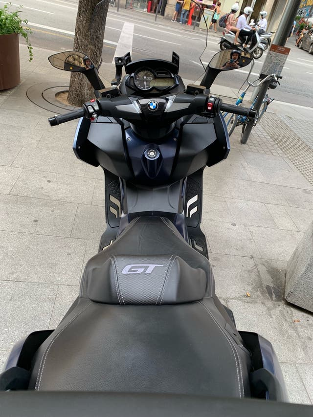 BMW C 650 GT Maxiscooter NUEVA 5 meses 2.200km