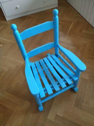 Mecedora infantil madera azul