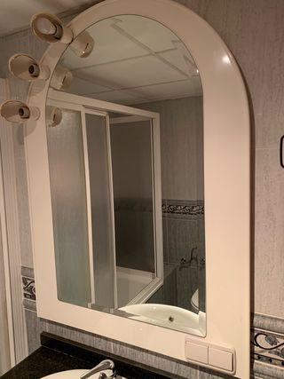 Espejo baño luz y enchufe