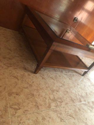Mesa centro de madera con cristal