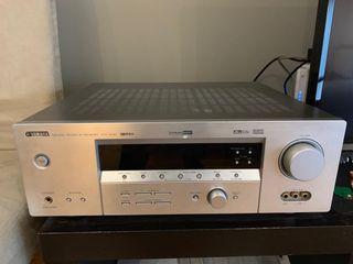Amplificador Yamaha y altavoces 5.1 Infinity