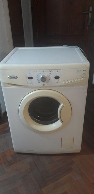 lavadora whirlpool da pequeño fallo , para piezas