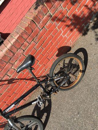 Hyper black BMX