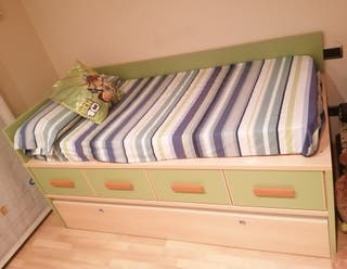 Habitación infantil con cama doble
