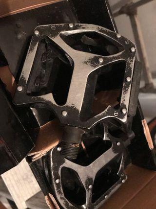 Pedales MTB metal