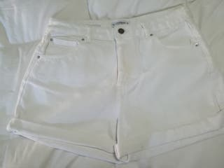 Short Blanco Pull&Bear