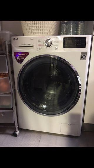 Lavadora menos de un año , muy poco uso