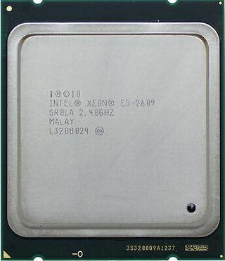 2 x Procesador Intel Xeon E5-2609