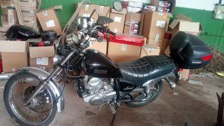 Moto YAMAHA SR 250
