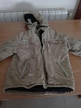 chaqueta marca GKN