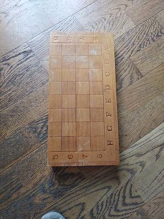 Caja tablero de ajedrez, damas y backgammon.