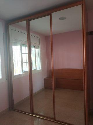 Armario puertas correderas y espejos