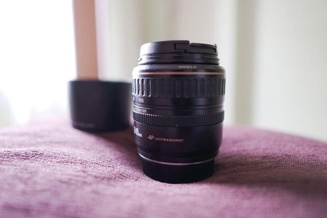Canon EF 28-105 f3.5 USM