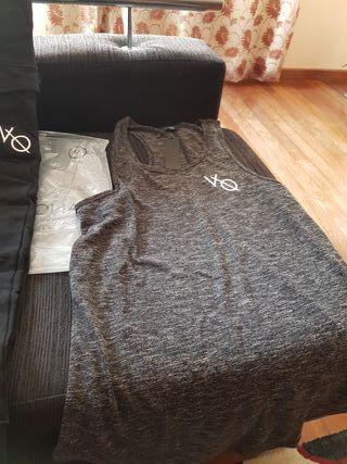 se venden 2 camisetas de la marca vanquish