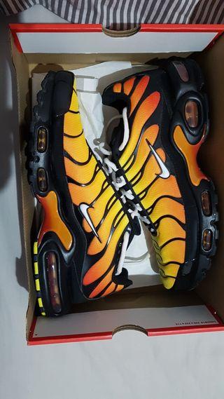 Nike Air Max Plus Zapatillas - Hombre - Talla 44