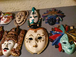 Coleccion de máscaras decorativas