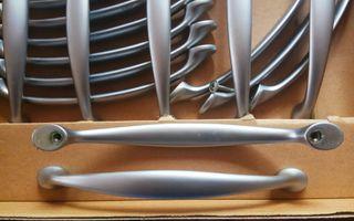 18 Tiradores de armario y puerta de cocina