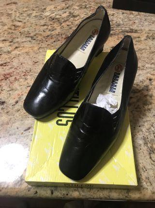 Zapatos piel de descanso