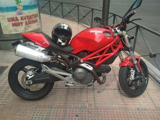 Ducati Monster 696 + limitada A2