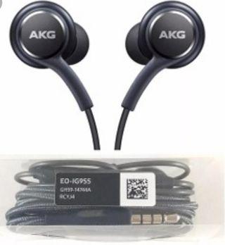 Auriculares AKG nuevos