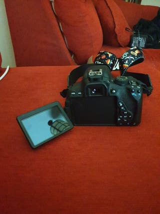 CANON EOS 700D PACK