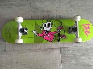 Skate Enuff Skully