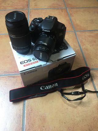 Canon 600d. Cámara de fotos réflex.