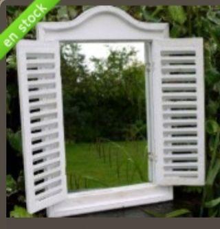 Espejo ventana de madera