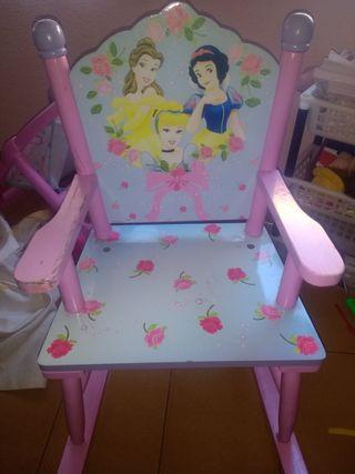 2 mecedoras para niñas con princesas disney