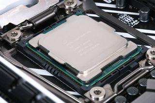 Procesador Intel i9 7960X 16/32 (2066- x299)