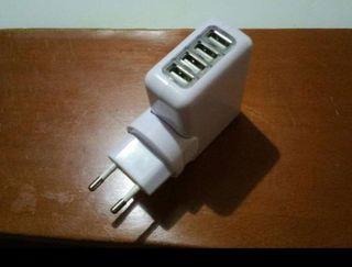 Cargador USB AC/DC 220V 4en1 A ESTRENAR