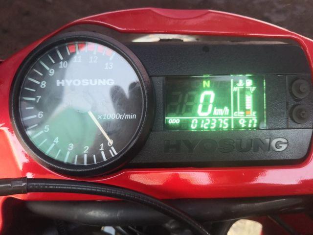 Hyosung GT650R limitada A2